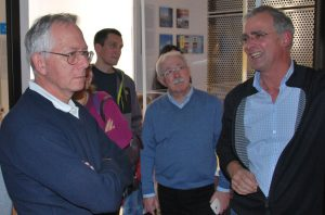 Dr. Payer mit Veranstaltungsteilnehmern