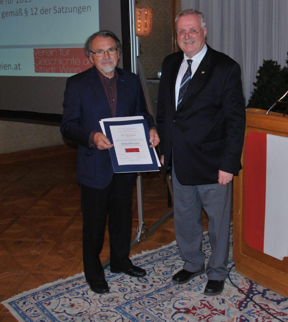 Das neu gewählte Ehrenmitglied Univ.-Prof. Dr. Peter Csendes mit Präsident SR i.R. Prof. Dr. Karl Fischer