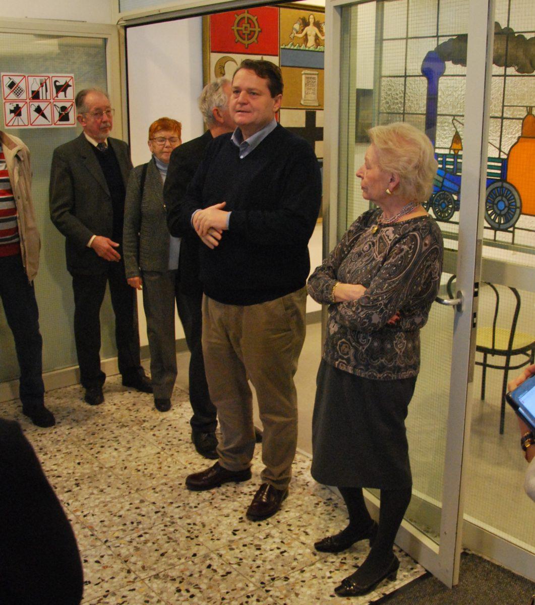 Mag. Paul Rachler begrüßt im Namen des Vereins die Leiterin des Bezirksmuseums Meidling, Prof.in Dr.in Vladimira Bousska, und die anwesenden Vereinsmitglieder.