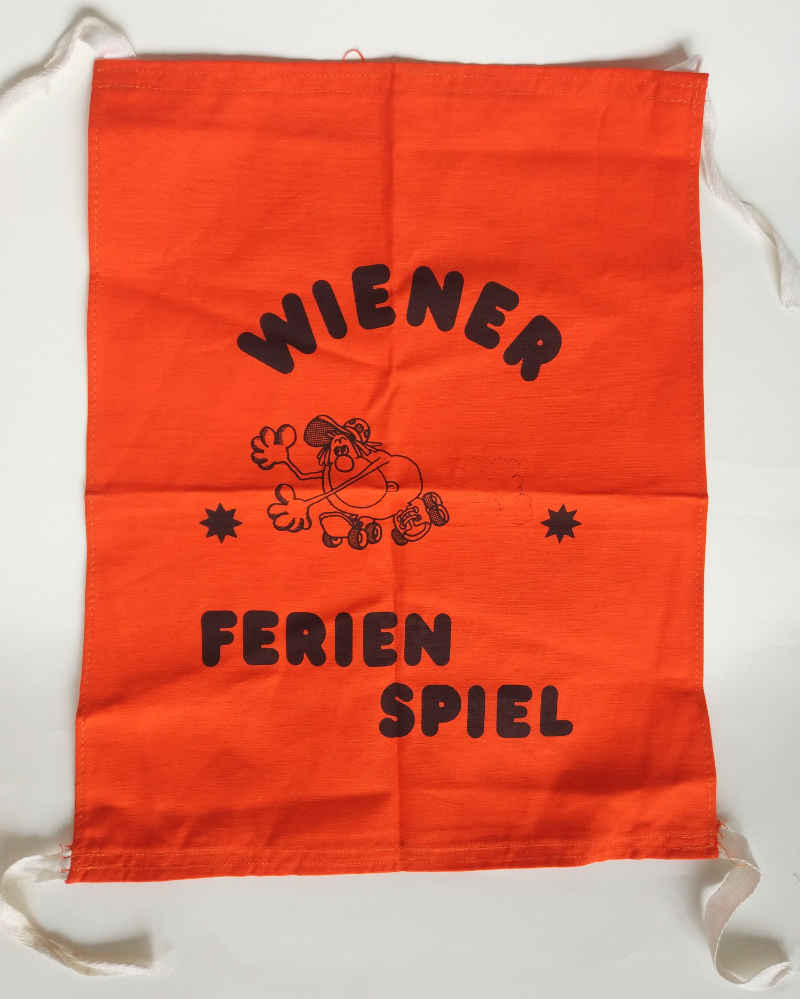 Stoffwimpel des Wiener Ferienspiels, um 1980 (WStLA, Verein für Geschichte der Stadt Wien, A9)