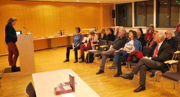 Archivdirektorin Dr.in Brigitte Rigele begrüßt die Anwesenden
